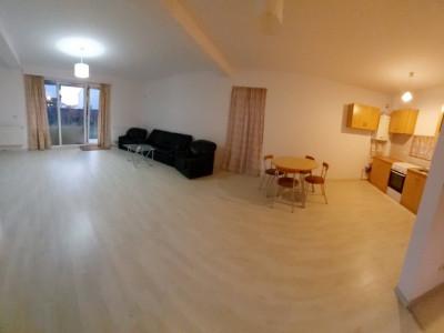 Duplex cu bucatarie open space si 3 dormitoare, 3 bai si curte spatioasa