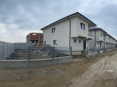 Casa single, P+1E+Pod, teren 200mp, in Bragadiru