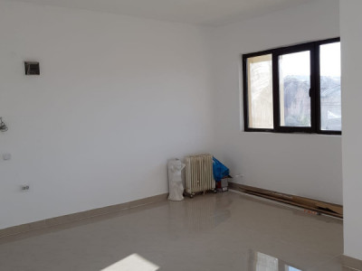 Apartament 3 camere decomandat 100mp Bragadiru-Leroy Merlin