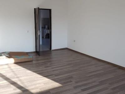 Apartament 3 camere decomandat Bragadiru-Leroy Merlin