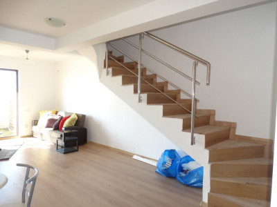 Casa P+1E cu 3 camere la pret de apartament - 63.000 euro
