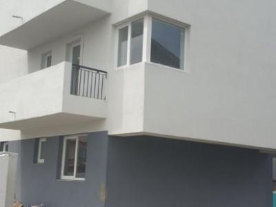 Garsoniera cu terasa si 35 mp curte, comision 0%