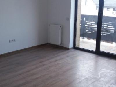 Ultima unitate, apartament finisat si racordat cu 4 camere si 60 mp curte