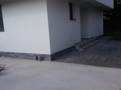 Casa finalizata cu 4 camere, varianta triplex - Bragadiru, Ratb