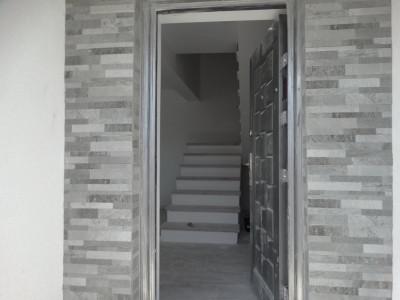 Finisata, 4 camere, stradal - Bragadiru