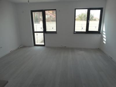 Stradal, casa in varianta triplex, 3 camere - Bragadiru