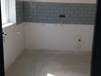 Apartament spatios de 3 camere cu 83 mp terasa