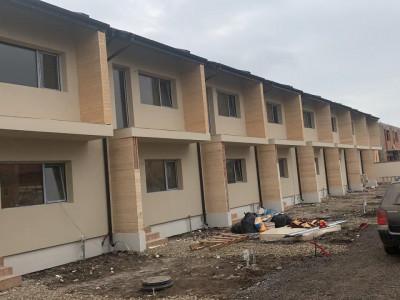 Casa cu 3 camere, finisaje la alegere, complex case insiruite