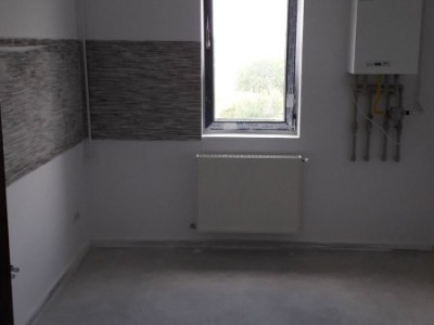 2 camere cu finisaje personalizate, bloc nou